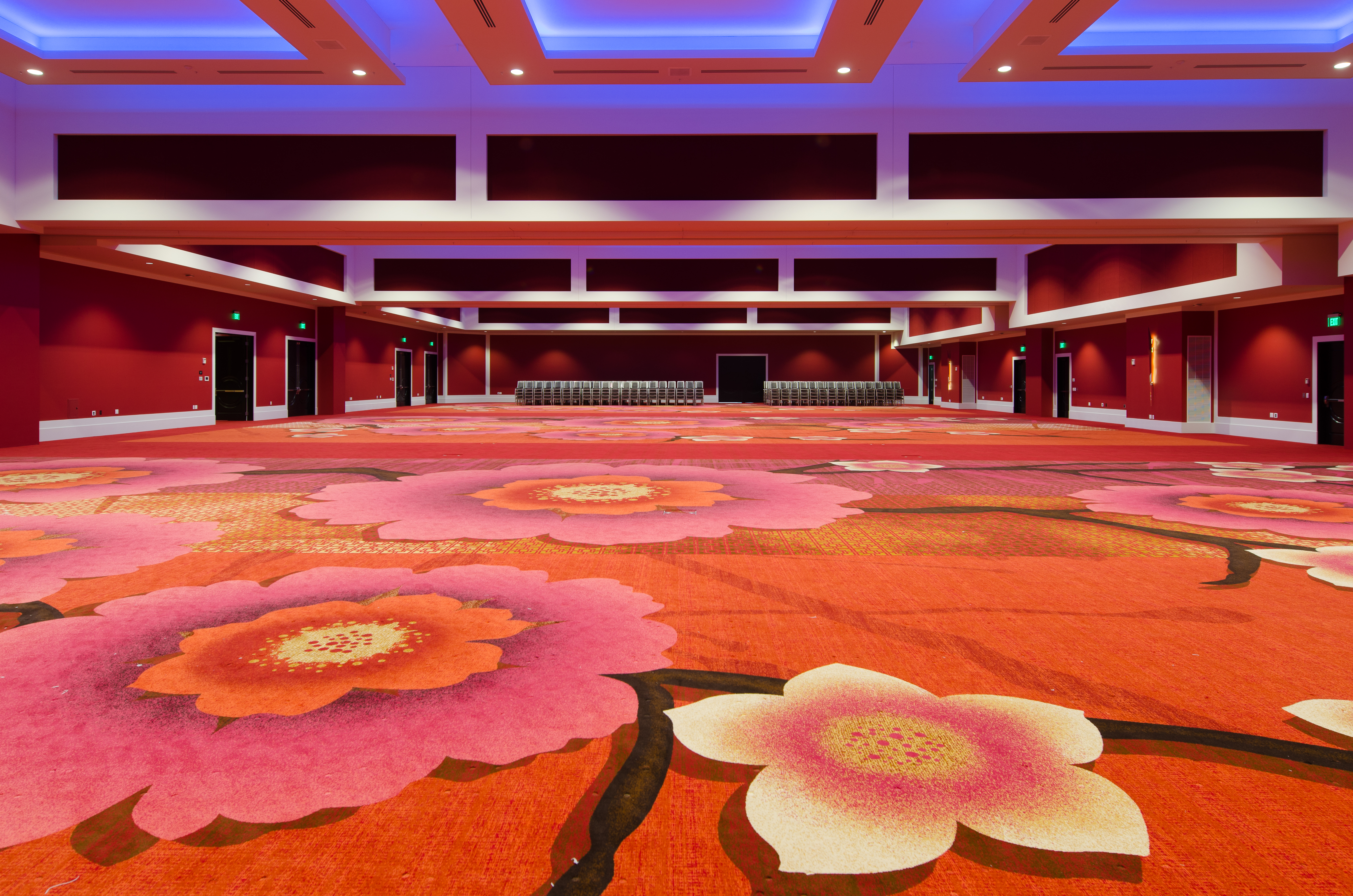 From palaces to hotels, restaurants to public buildings and convention centres to airports, over the years Brintons have produced award-winning carpets that ...